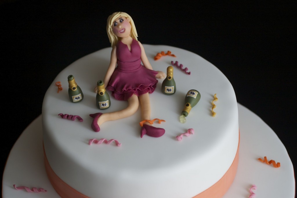 21 Figure Birthday Cakes: 24 Awesome Birthday Cakes For Girls From 18 To 21 Years