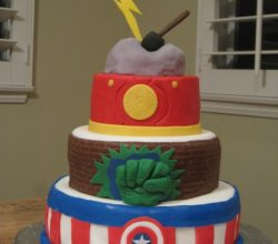 Avengers Birthday Cakes and Cupcakes