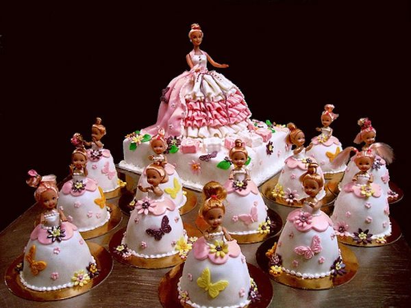 Best Barbie Doll Theme Birthday Cakes And Cupcakes Cakes And - Birthday cake doll designs