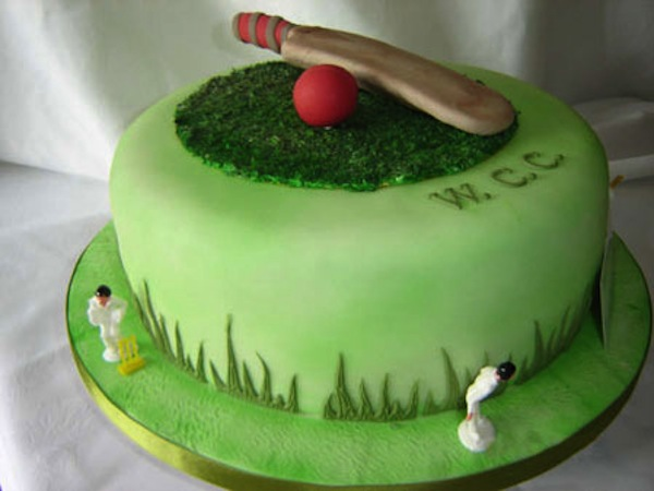 cricket-theme-birthday-cakes-cupcakes-6 - Cakes and ...