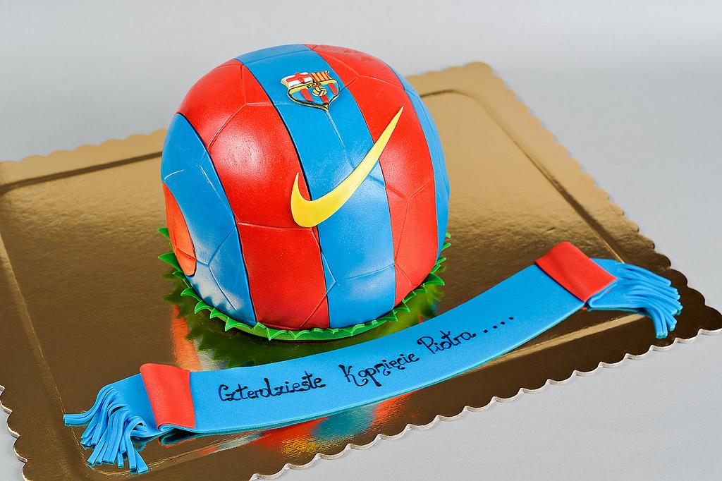 fcb-barcelona-football-team-logo-cakes-cupcakes-mumbai-27