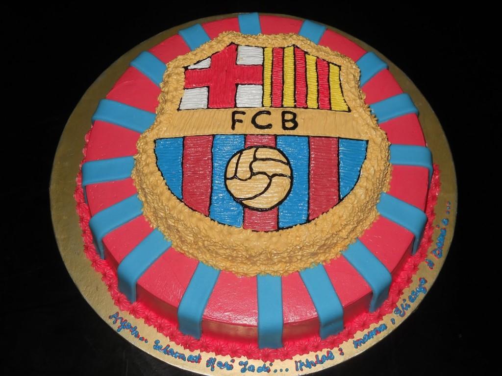 fcb-football-team-logo-cakes-cupcakes-mumbai-12