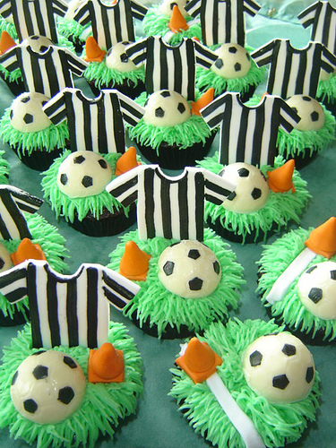 football-team-cupcakes9