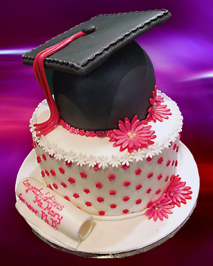 31 Graduation Day Cakes for the Special Moment of your life