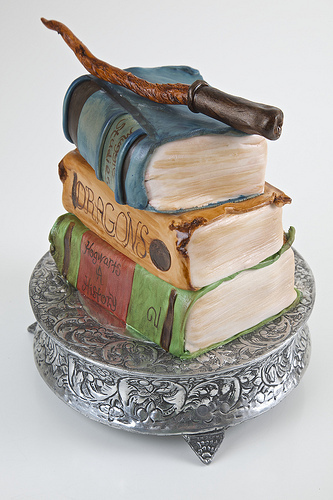 Harry Potter Book Cake : Harry potter birthday cakes and cupcakes