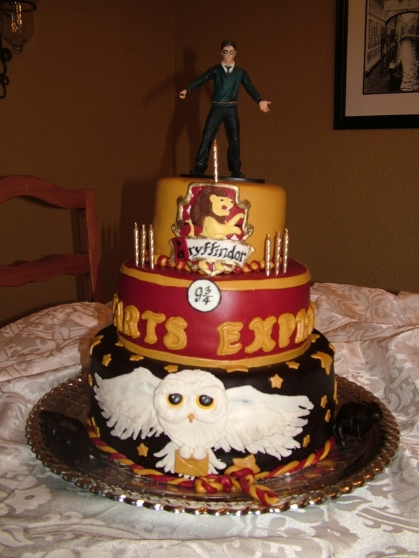 48 Harry Potter Birthday Cakes and Cupcakes Cakes and ...