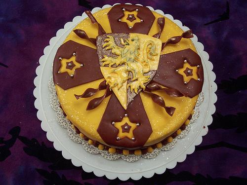 Harry Potter Logo cake - cake by Jewels Cakes - CakesDecor
