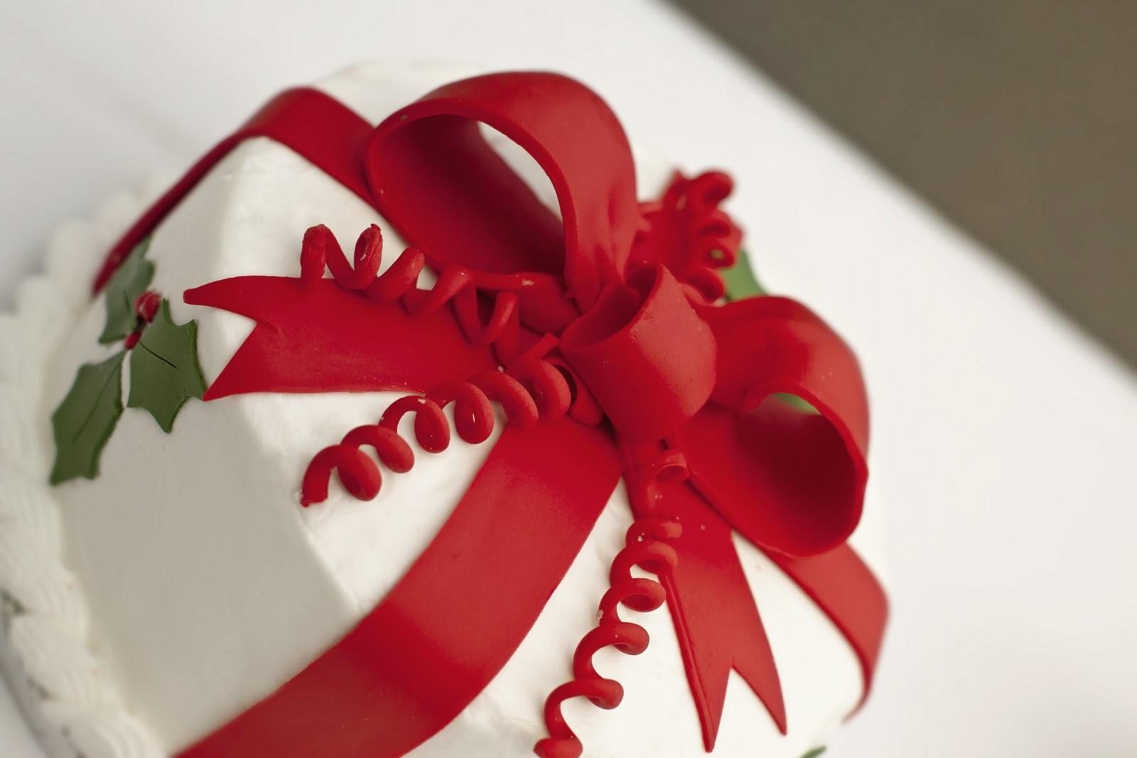 Christmas Present Fondant Cake