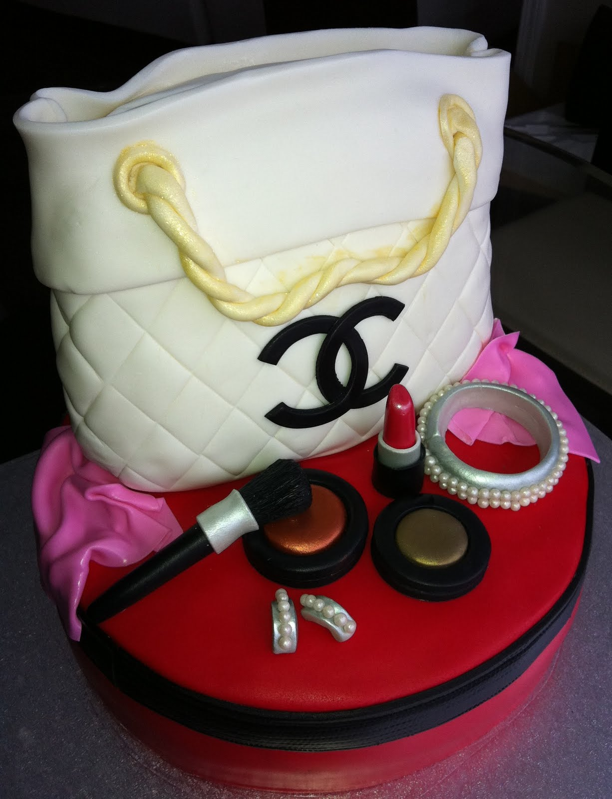 c173ef6e51ee Bag shaped Cakes and Cupcakes - Cakes and Cupcakes Mumbai