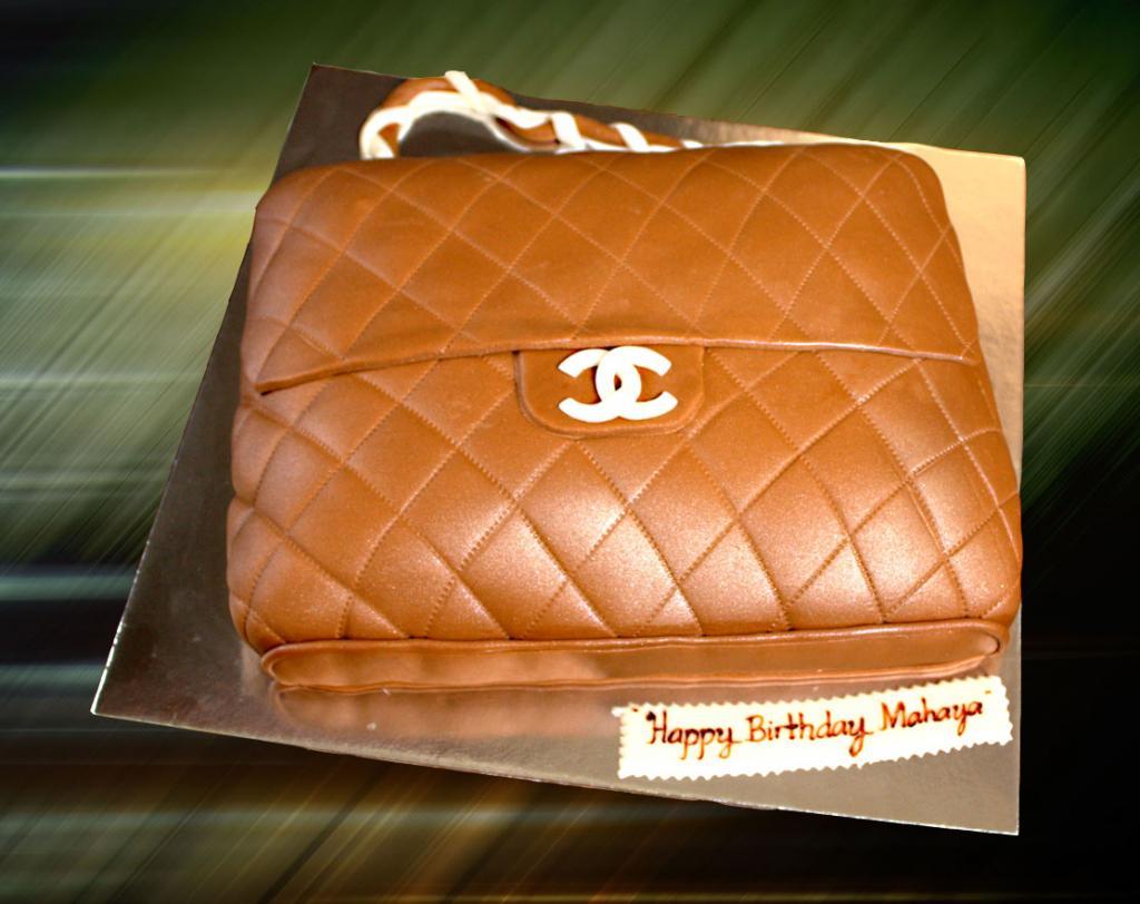 designer-bags-lv-gucci-prada-cakes-cupcakes-30
