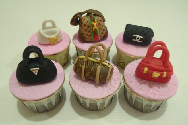 designer-bags-lv-gucci-prada-cakes-cupcakes-33