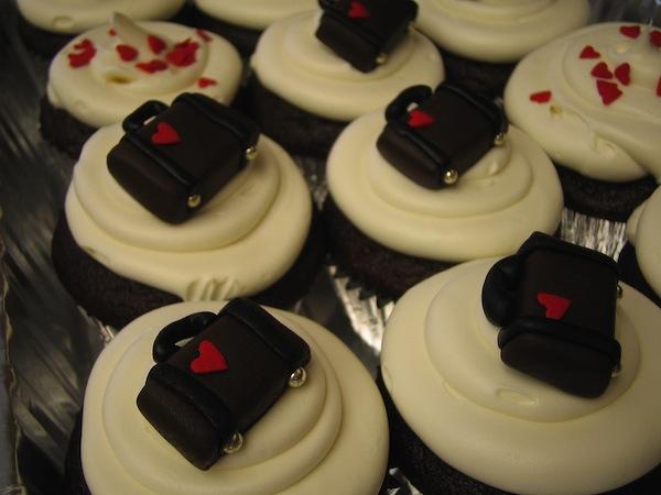 goodbye-bon-voyage-farewell-cakes-cupcakes-mumbai-37
