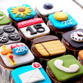 iPhone, iPod, Blackberry, Android Birthday Cakes and Cupcakes