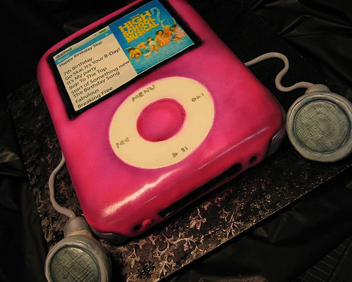 pink-ipod-mobile-iphone-android-cakes-cupcakes-mumbai-15