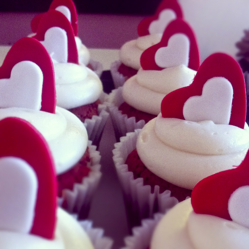 Valentine's Day Cakes And Cupcakes To Show Your Love