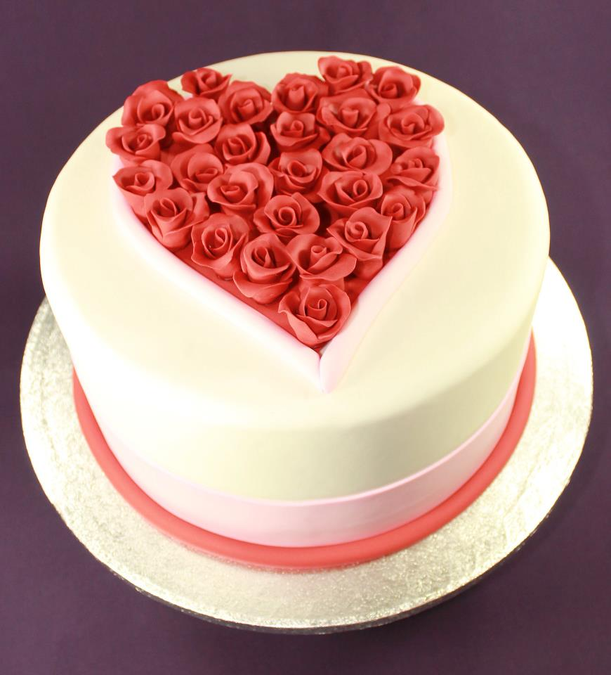 Valentine S Day Cake Images : Valentine s Day Cakes and Cupcakes to show your Love ...
