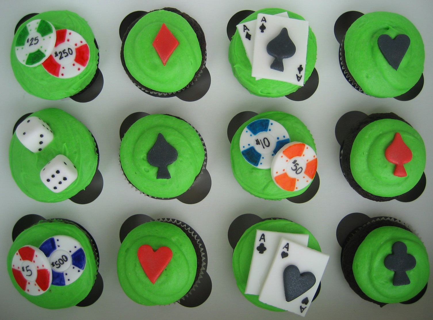poker-cards-casino-theme-cakes-cupcakes-mumbai-14