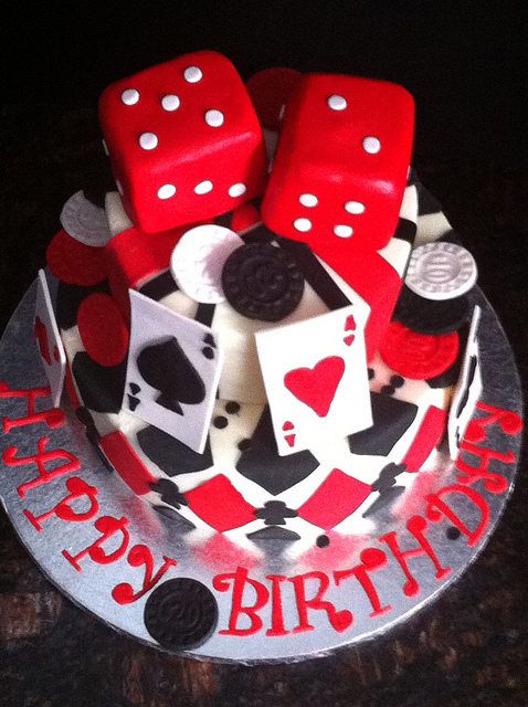 poker-cards-casino-theme-cakes-cupcakes-mumbai-23