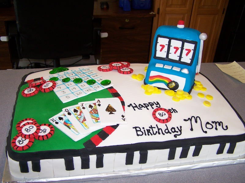 poker-cards-casino-theme-cakes-cupcakes-mumbai-32