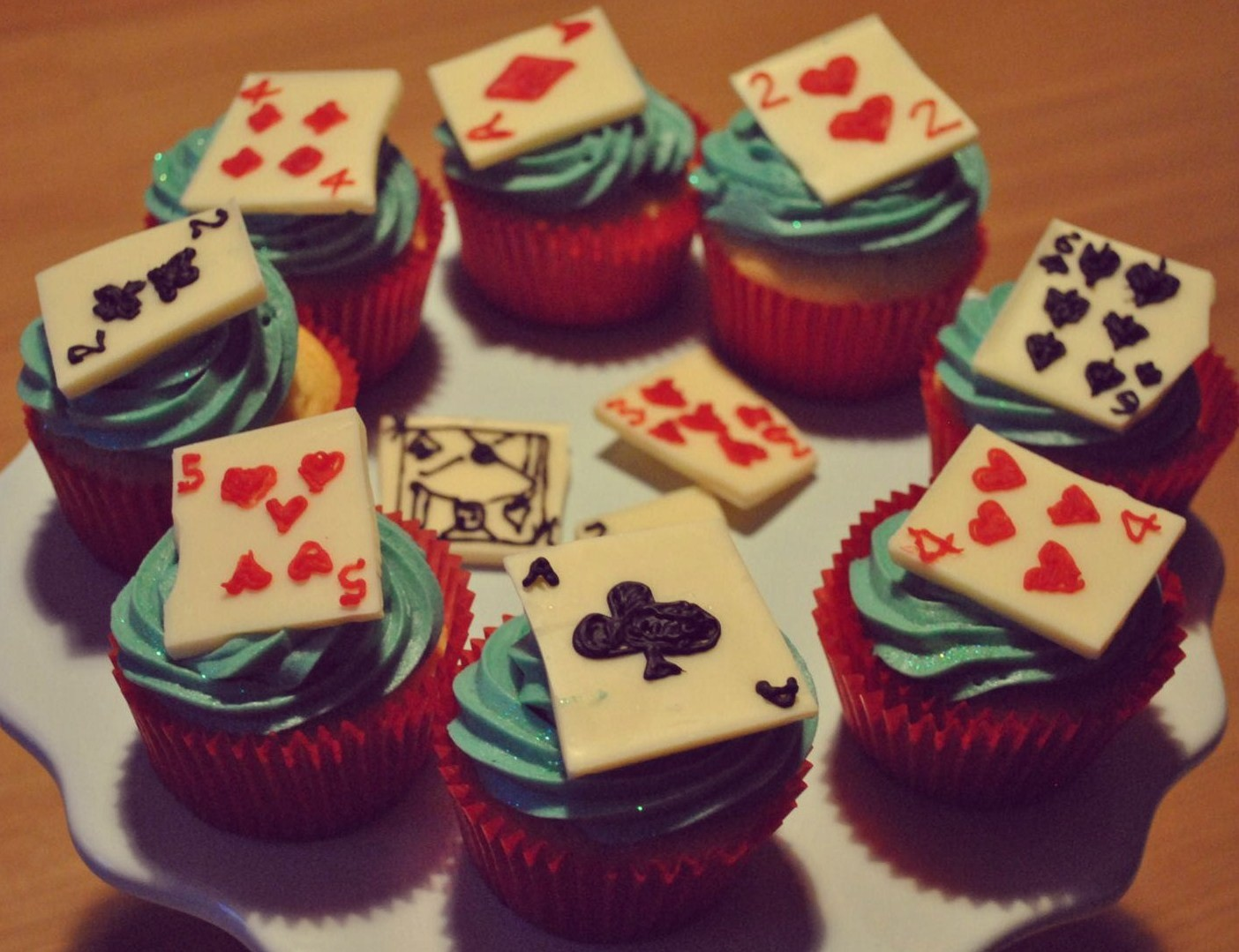poker-cards-casino-theme-cakes-cupcakes-mumbai-6