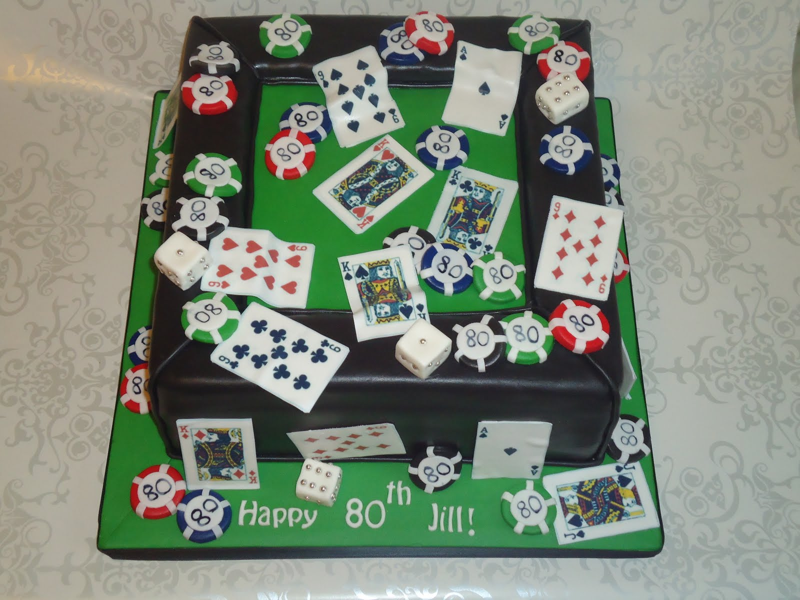 poker-cards-casino-theme-cakes-cupcakes-mumbai-8