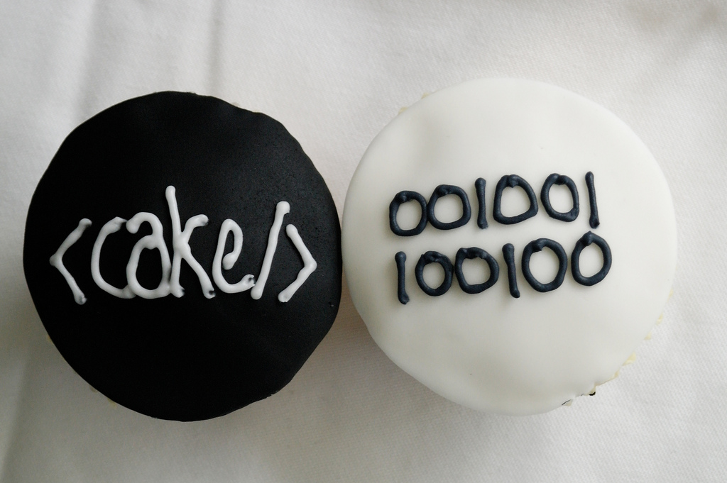 cake-html-binary-technology-theme-cakes-cupcakes-mumbai-19