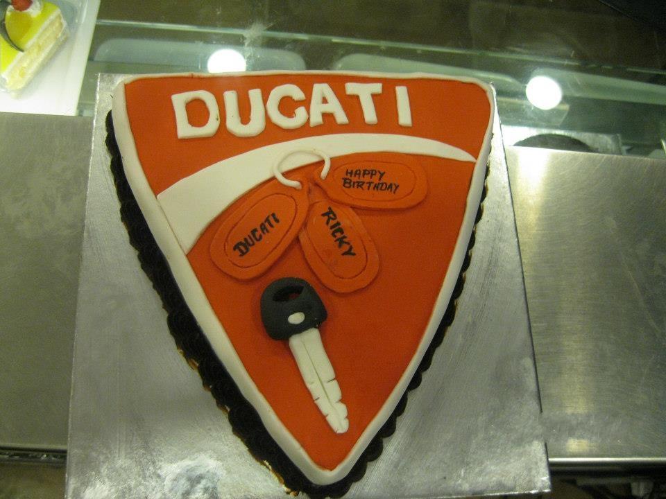 ducat-logo-cake