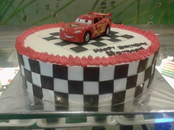 cars-movie-theme-cakes-cupcakes-mumbai-2013-22
