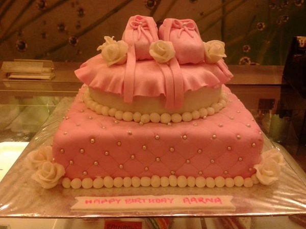 pink-shoes-theme-cakes-cupcakes-mumbai-2013-24