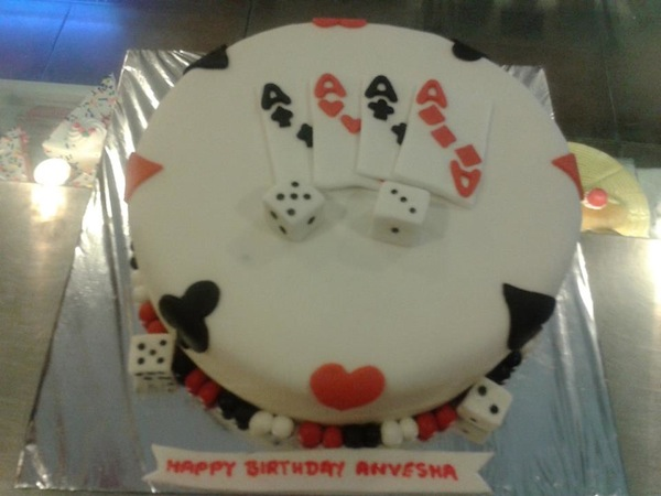 playing-cards-theme-cakes-cupcakes-mumbai-2013-19
