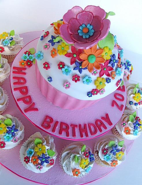 cupcakes-cakes-shaped-designer-cakes-cupcakes-mumbai-22