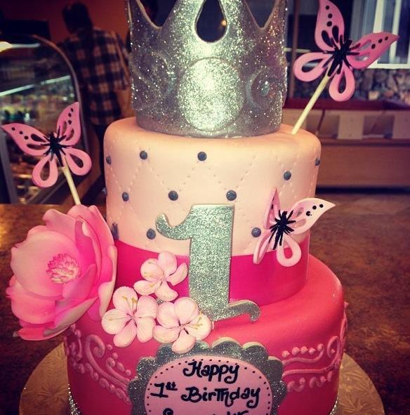 designer-cakes-cupcakes-mumbai-28