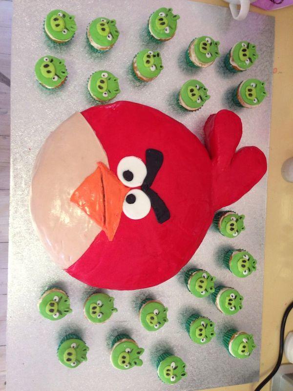 angry-birds--theme-designer-cakes-mumbai-october-2013-45