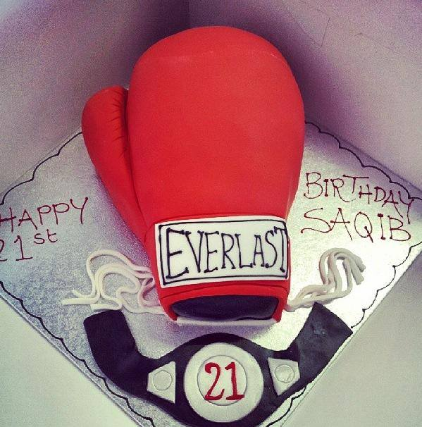boxing-gloves-designer-theme-birthday-wedding-engagement-cakes-cupcakes-mumbai-48