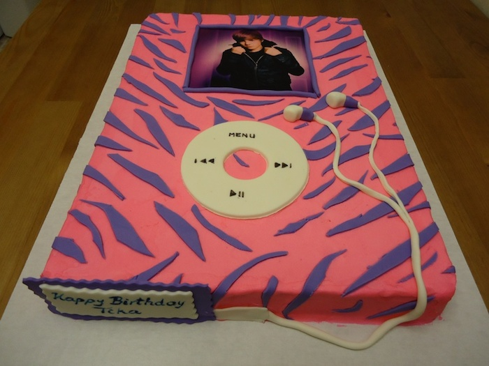ipod-justin-bieber-music-theme-customised-cakes-cupcakes-mumbai-buy-online-22
