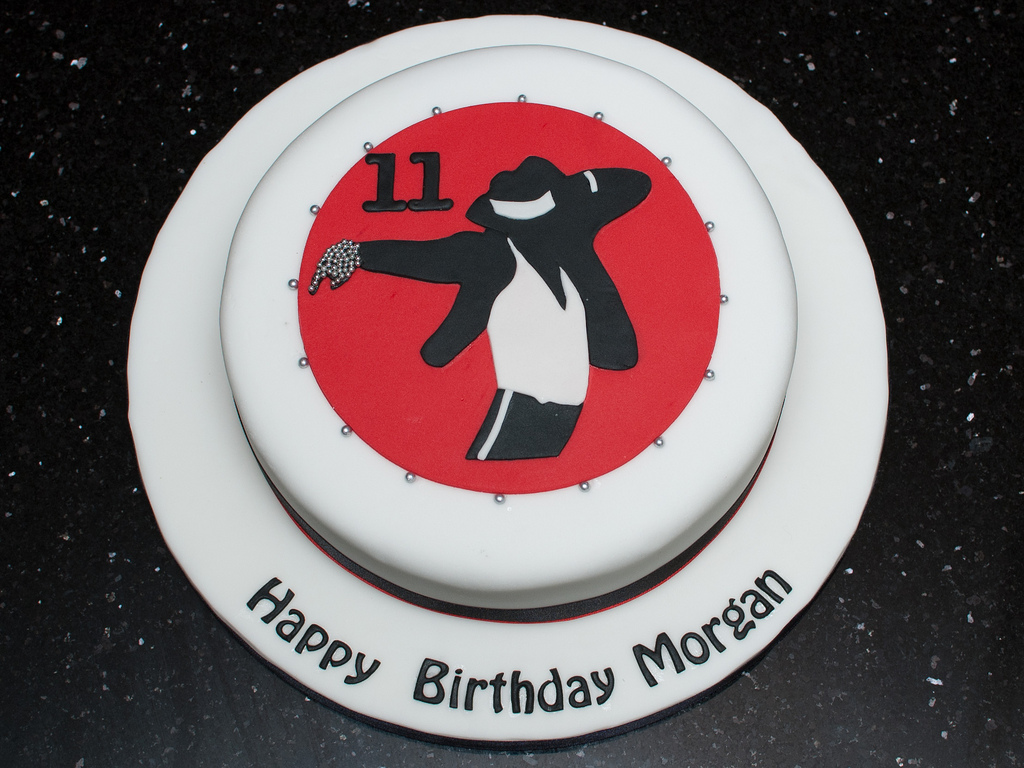 michael-jackson-pop-music-theme-customised-cakes-cupcakes-mumbai-buy-online-18
