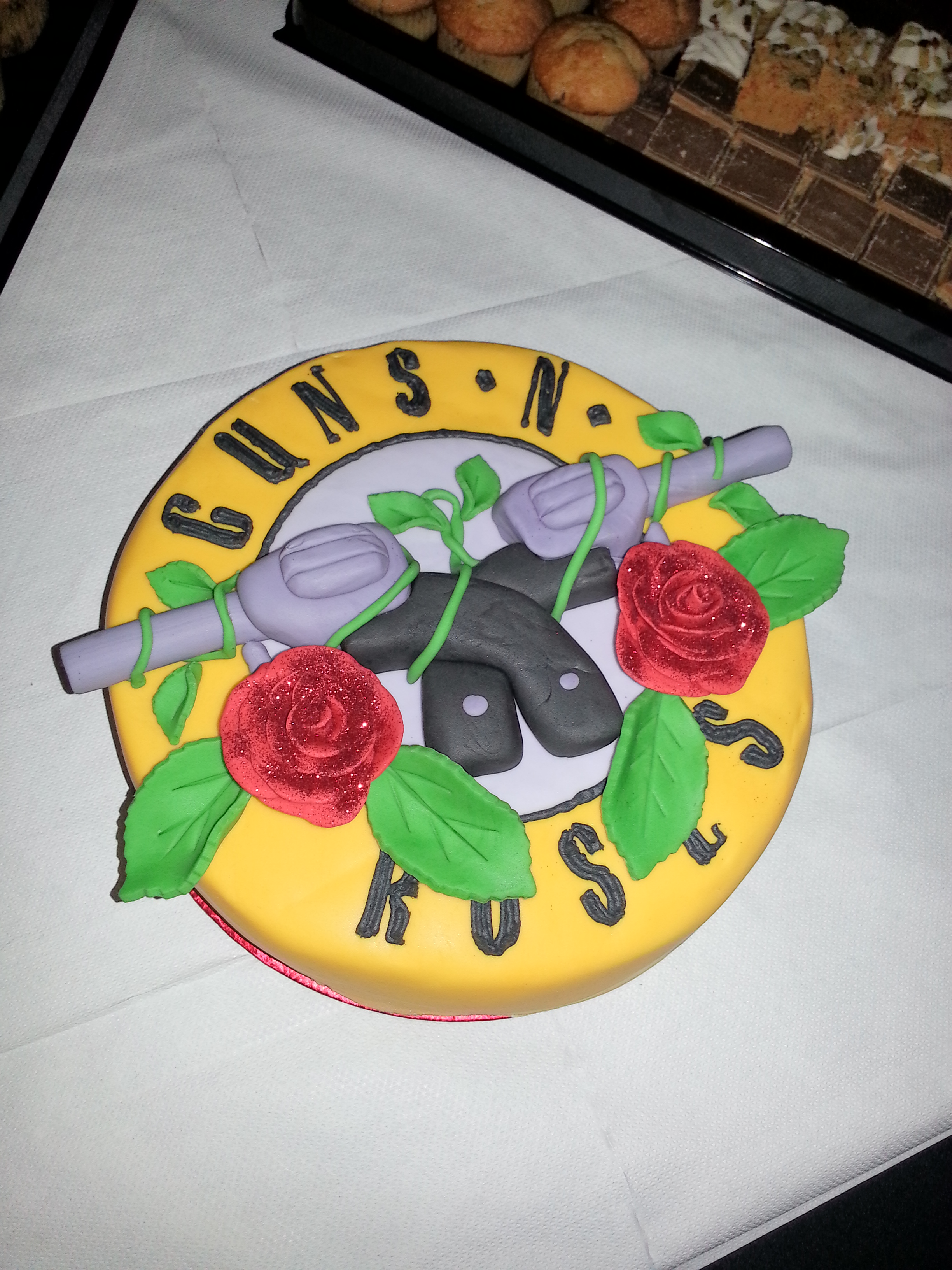 music-theme-customised-cakes-cupcakes-mumbai-buy-online-32