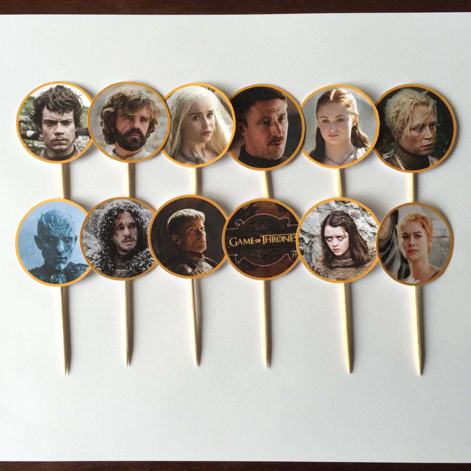 25-game-of-thrones-theme-designer-cakes-cupcakes-mumbai-20-photo-cake-pops